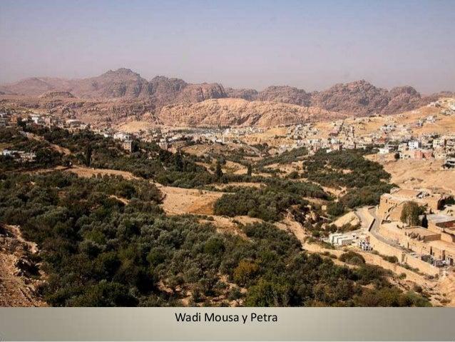 El Siq es la vía de acceso a la ciudad de Petra.
