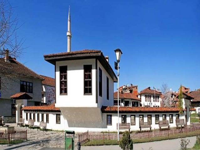 Veprimtarine e tij e ushtroi kryesisht ne viset e Kosoves dhe  te vilajetit te Janines. Ne kuvedin themelues te Lidhjes se...