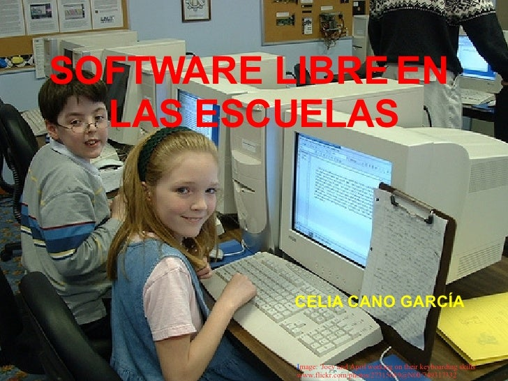 SOFTWARE LIBRE EN  LAS ESCUELAS I mage: ' Joey and April working on their keyboarding skills '  www.flickr.com/photos/2731...