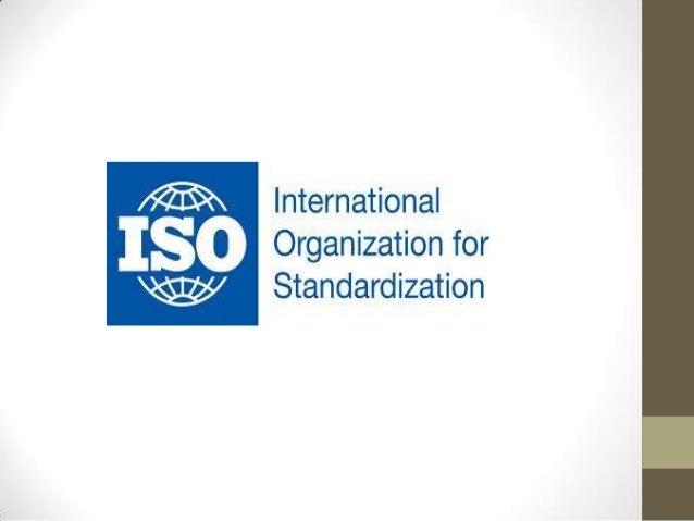 Familia ISO• La Norma ISO 9000 describe los fundamentos de lossistemas de gestión de la calidad y especifica laterminologí...