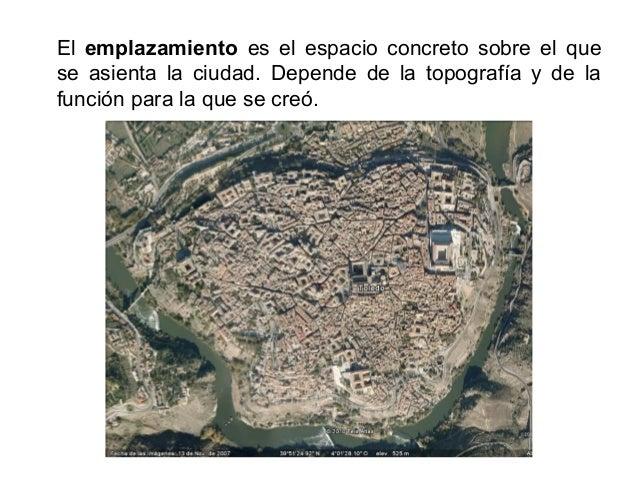 El plano está formado por las superficies libres y construidas de una ciudad. Se diferencia un plano irregular (con calles...