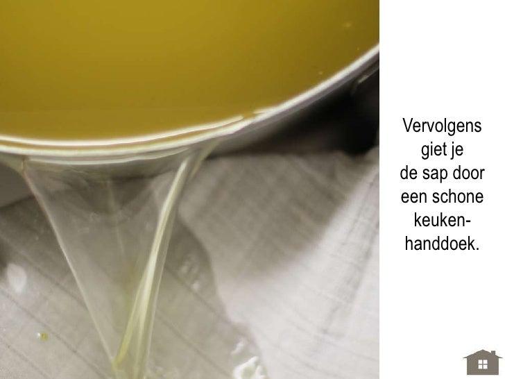 Zet voor   2 liter aanflessen steriel.   [Even in water    laten koken,  ook de deksels.Gebruik je plasticflessen, dan eve...
