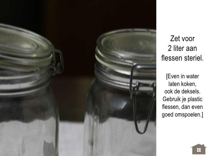 Doe de sap   nog even in de [omge-spoelde] panen laat dit nog  2 minuutjes  doorkoken.