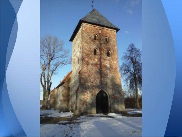 Kościół wzniesiono w XV wieku w stylugotyckim, ale z niego zachowała się tylkowieża frontowa. Kościół wraz z położonymiobo...