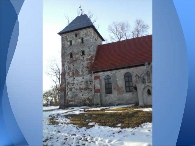 • Wokół kościoła znajduje się ewangelickicmentarz przykościelny założony wdrugiej połowie XVIII wieku. Śladykwater, nagrob...