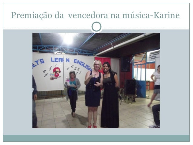 Premiação da vencedora na música-Karine