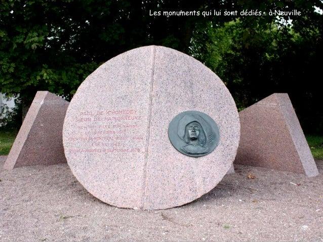 La Place d'Armes de Montréal avec la statue de Paul de Chomedey … et à Montréal