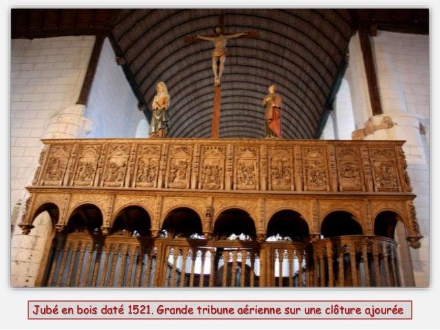 Côté nef Vue sur la voûte en berceau Le superbe crucifix est tourné vers la nef et le laïc et est entouré de la Vierge et ...