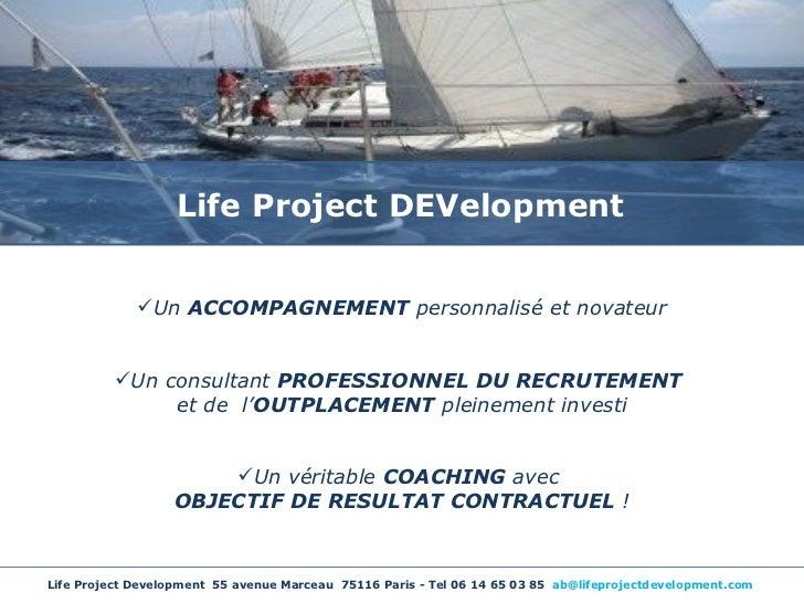 <ul><li>Un  ACCOMPAGNEMENT  personnalisé et novateur </li></ul><ul><li>Un consultant  PROFESSIONNEL DU RECRUTEMENT  </li><...