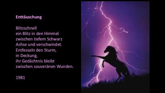 Enttäuschung Blitzschnell ein Blitz in den Himmel zwischen tiefem Schwarz Achse und verschwindet. Entfesseln den Sturm, in...