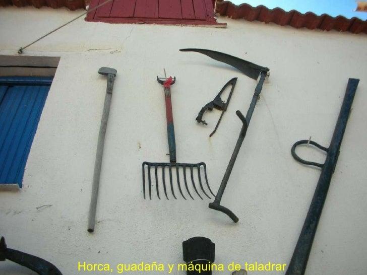 Horca, guadaña y máquina de taladrar