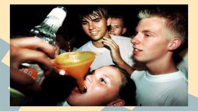 El medio del alcoholismo provoca el vómito