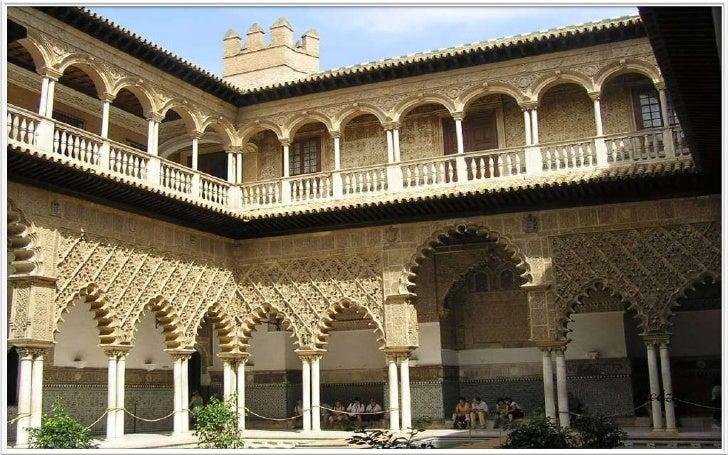Alcázar – Patio de las DoncellasThe Courtyard of the Maidens