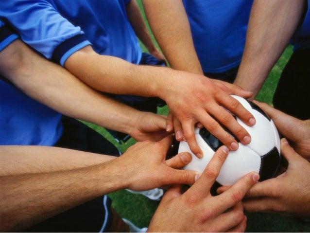 デザイン思考の意義  個人  組織  社会  1. 創造性の開放  2. 自己理解と成長  3. イノベーションの実現  4. 生産性の向上  5. 安定した社会の実現   →未解決の社会問題