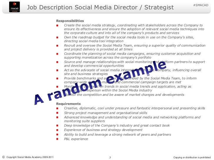 how to become a social media director