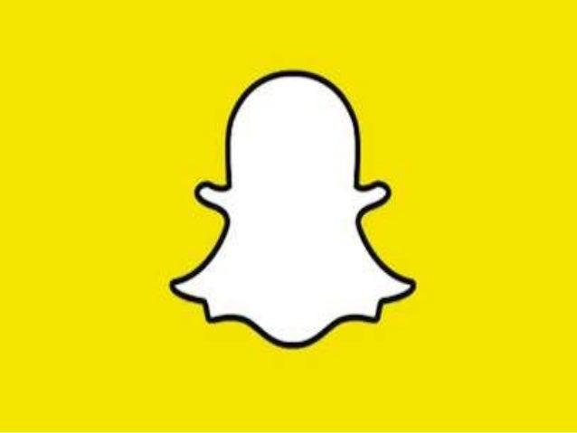 Snapchat • Fundado em 2011 por Evan Spiegel e Bobby Murphy, estudantes da Stanford. • Desistiram de terminar o curso na Un...