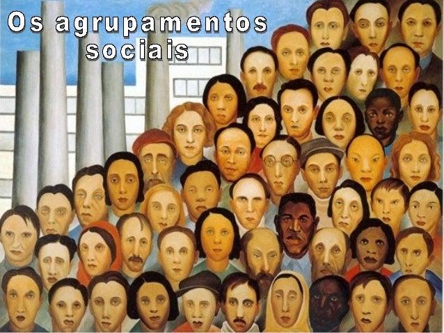 """""""Forma básica da associação humana; agregado social que tem umaentidade (individualidade) e vida própria, e se considera c..."""