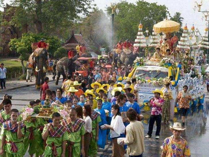 Songkran Festival Happy Thai New Year - selected images of Songkran Festival 2012 in Thailand with Tewan Sapsanyakorn's 'Rum Wong Wun Songkran'    Slide 3