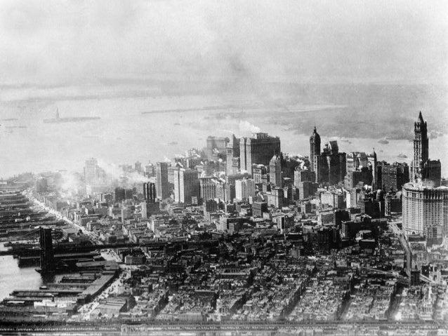 Sur le transbordeur      de l`Armée les emmenant de Staten Island à Manhattan,au cours de leur visited`un jour à New York,...