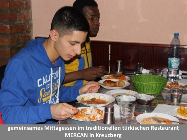 gemeinsames Mittagessen im traditionellen türkischen Restaurant MERCAN in Kreuzberg