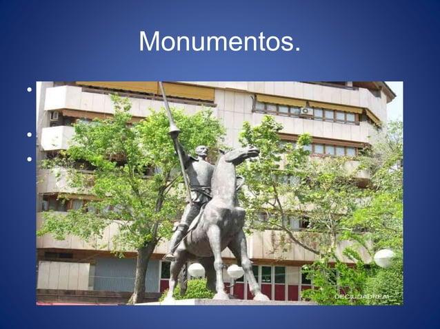 Monumentos. • El título de esta escultura es Monumento a don Quijote de la Mancha, 1967. • Esta ubicada en la Plaza del Pi...