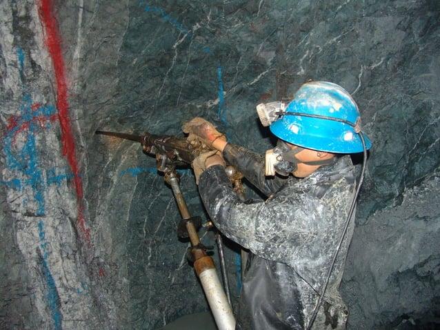 7.1 DEFINICIÓN.-  Son varillas de acero que transmiten la energía  mecánica de la perforadora hacia las rocas a fin de ser...