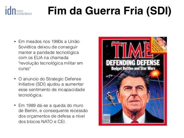 """• Em meados nos 1980s a União Soviética deixou de conseguir manter a paridade tecnológica com os EUA na chamada """"revolução..."""