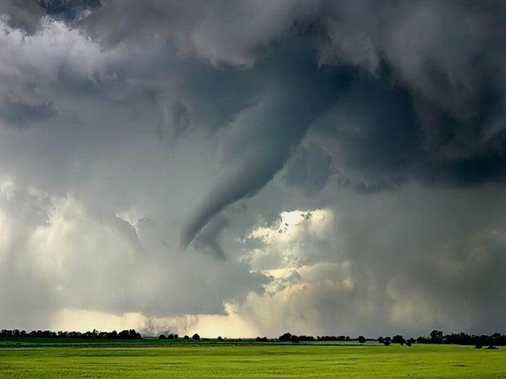 Tornados y huracanes. kideak.blogspot.com Slide 3