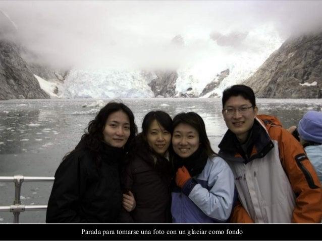 Nuestro tren pasa por glaciares y montañas cubiertas de nieve en su camino a Lhasa