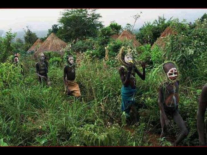 Les tribus de l'Omo.Aux confins de l'Ethiopie, à des siècles de la modernité, Hans Sylvester aphotographié pendant six ans...