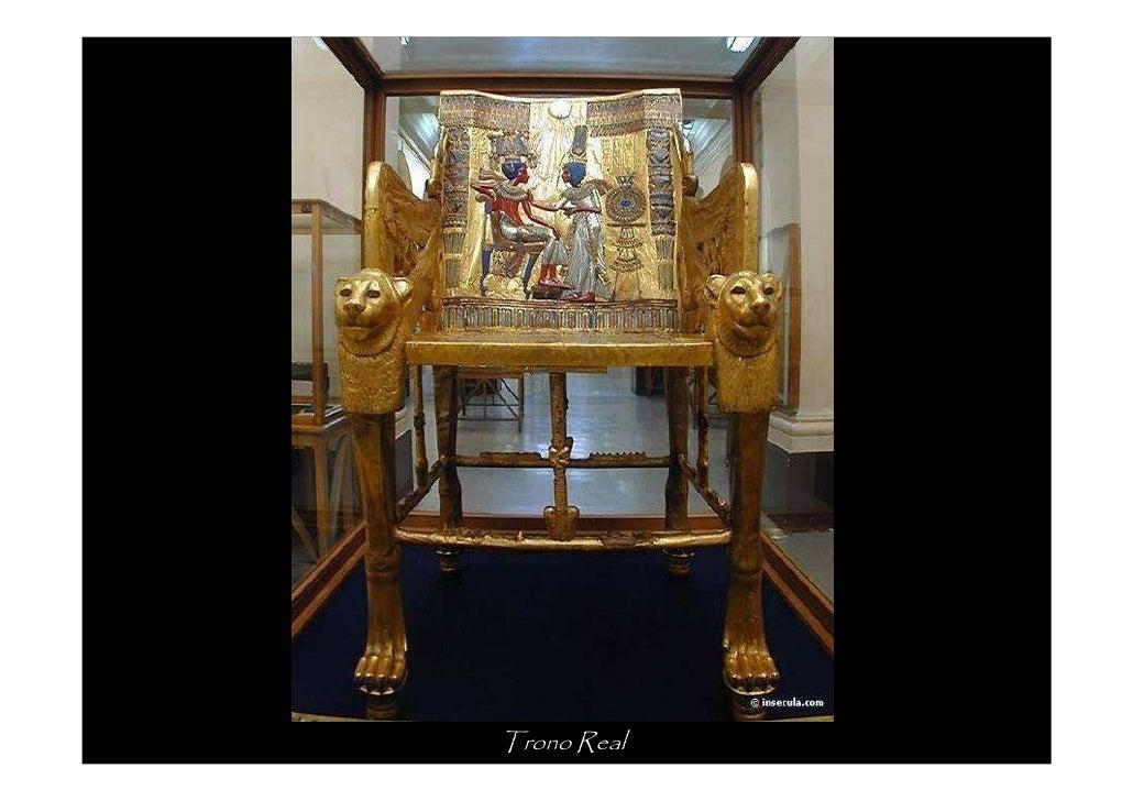 Os braços do trono    representam duas     serpentes aladas   portadoras da coroa   dupla e guardiãs do      « cartucho » ...