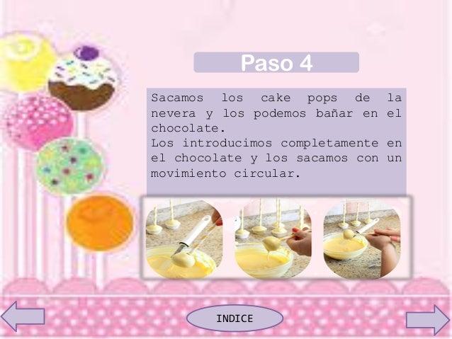 Sacamos los cake pops de la nevera y los podemos bañar en el chocolate. Los introducimos completamente en el chocolate y l...
