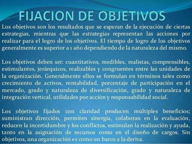 Los objetivos son los resultados que se esperan de la ejecución de ciertas estrategias, mientras que las estrategias repre...
