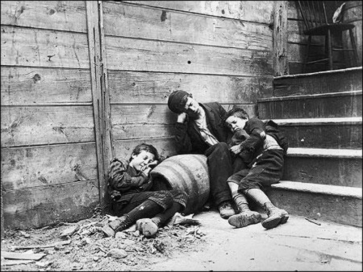 a discussion of the living conditions of chinese immigrants Immigrant living conditions triangle shirtwaist fire sitemap working conditions for immigrants what were working conditions like for immigrants.