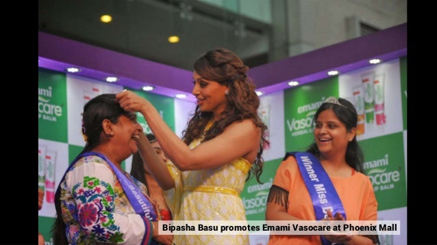 Bipasha Basu promotes Emami Vasocare at Phoenix Mall
