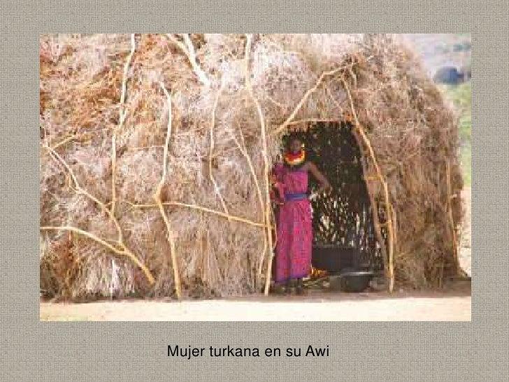 Mujer turkana en su Awi