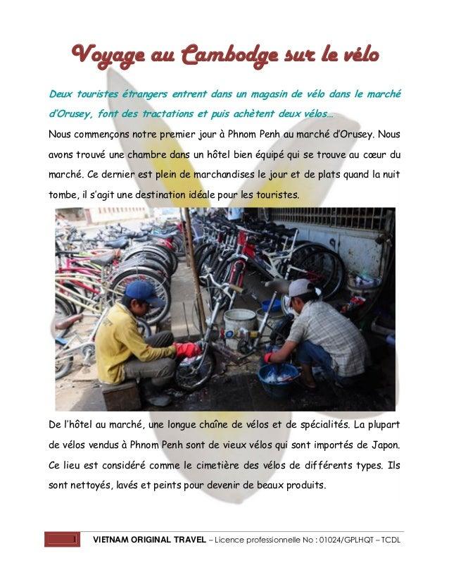 Voyage au Cambodge sur le vélo Deux touristes étrangers entrent dans un magasin de vélo dans le marché d'Orusey, font des ...