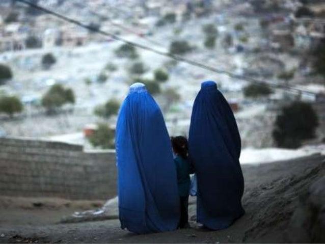 Women in blue (v.m.)