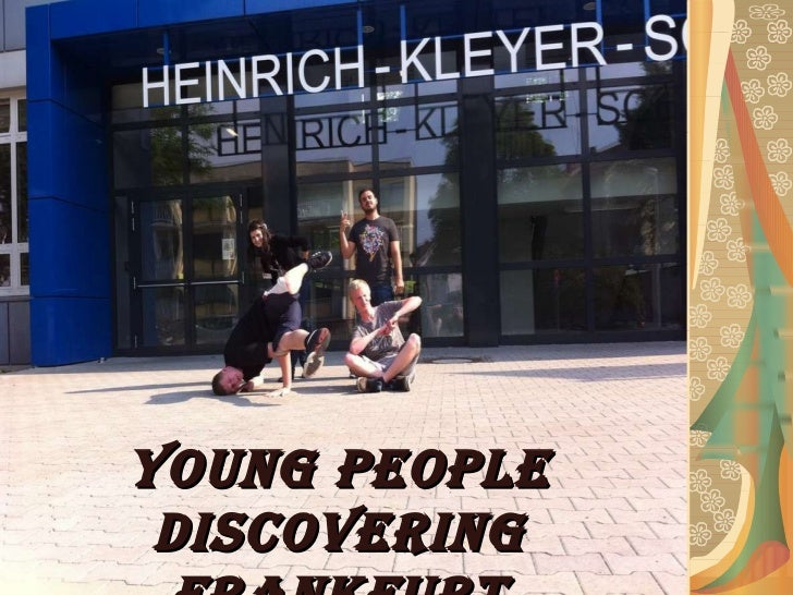 Young people discovering Frankfurt